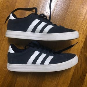 EUC Adidas sneakers